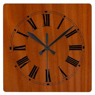 Reloj de pared manchado madera de la cereza