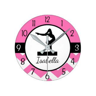 Reloj de pared rosado de la gimnasia