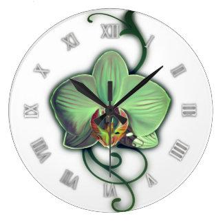 Reloj de pared verde de la orquídea del diseño