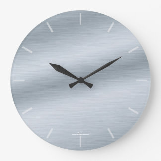 Reloj de plata cepillado elegante de la mirada