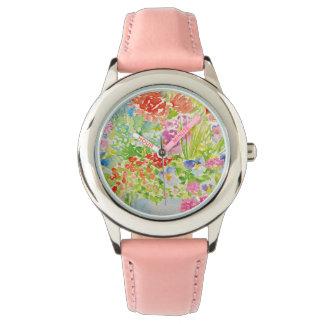 Reloj De Pulsera Firma elegante del país en el jardín