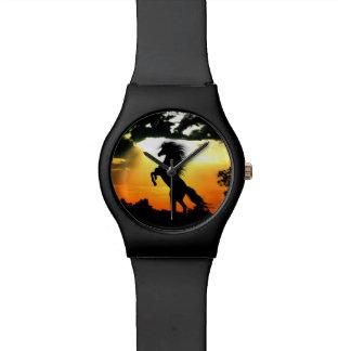 Reloj De Pulsera Silueta del caballo en la puesta del sol