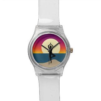 Reloj De Pulsera Yoga en la puesta del sol
