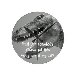 Reloj del dinosaurio del humor