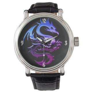 Reloj del dragón del cromo
