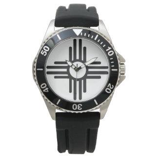 Reloj del negro del acero inoxidable con símbolo