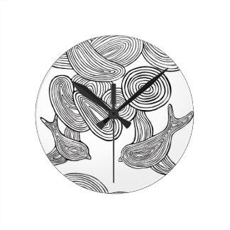"""""""Reloj del pájaro de Swirlie"""" Reloj Redondo Mediano"""