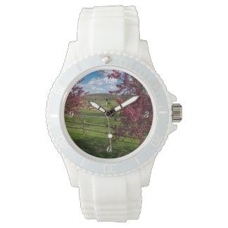 Reloj Día de primavera en Rivercut
