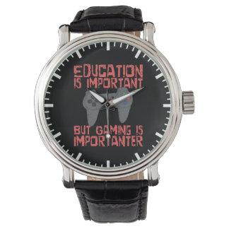 Reloj El juego es Importanter que la educación -