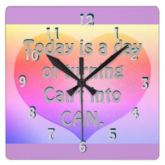 Reloj en colores pastel inspirador de motivación