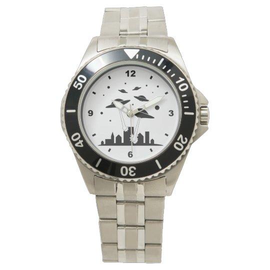 Reloj extranjero de la invasión