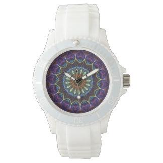 Reloj floral violeta de los deportes del