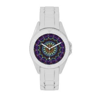 Reloj floral violeta de los deportes del caleidosc