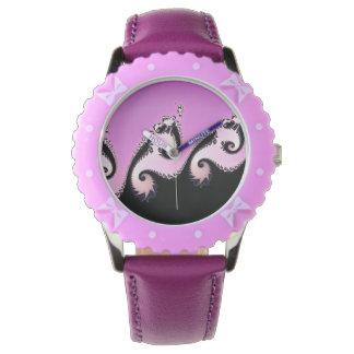 Reloj Fractal rosado, blanco y negro