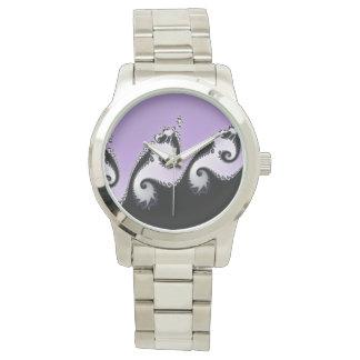 Reloj Fractal violeta, blanco y negro
