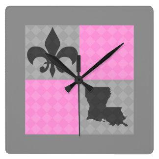 Reloj gris y rosado de Luisiana de la flor de lis