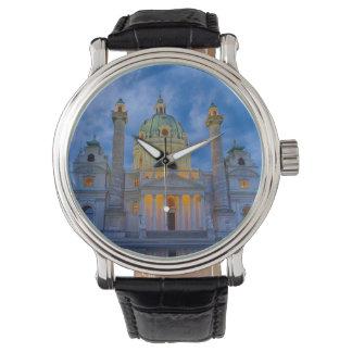 Reloj Iglesia San Carlos, Viena