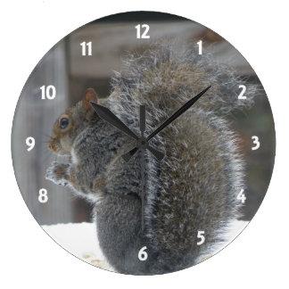 Reloj lindo de la ardilla