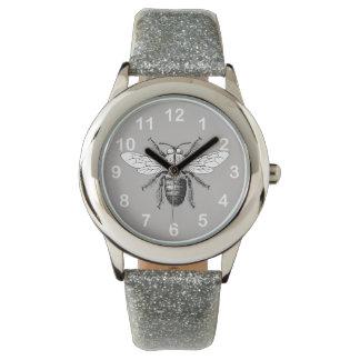 Reloj Manosee el insecto con alas verano gris lindo