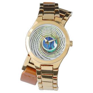 Reloj Pavo real en un diseño espiral,