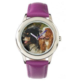 Reloj Perros de aguas de rey Charles arrogantes