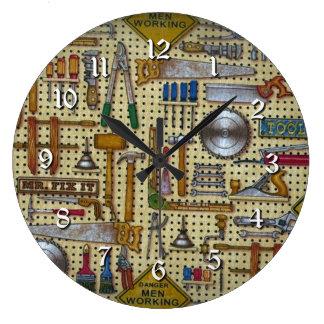 Reloj redondo de la pared de Sr. Fix It Handyman