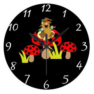 Reloj redondo de las setas