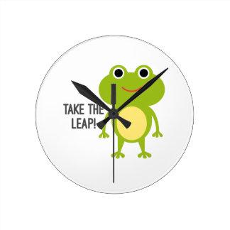 Reloj redondo del Froggy