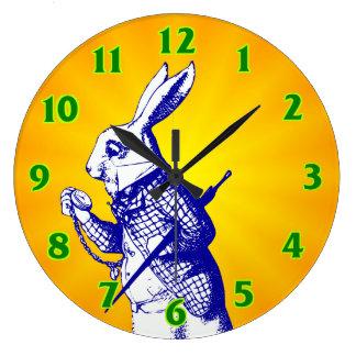 Reloj Redondo Grande Alicia en conejo del blanco del país de las