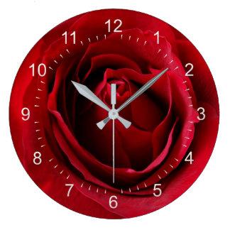 Reloj Redondo Grande color de rosa de color rojo oscuro