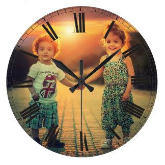 Reloj Redondo Grande Cree su elegante con clase de Brown de la foto de