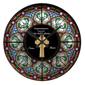 Reloj Redondo Grande Cruz del vitral del aniversario de la ordenación