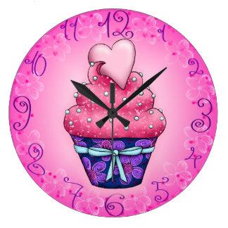 Reloj Redondo Grande Cupcake mono rosas con corazón