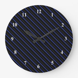 Reloj Redondo Grande Diagonal azul marino y negra rayada