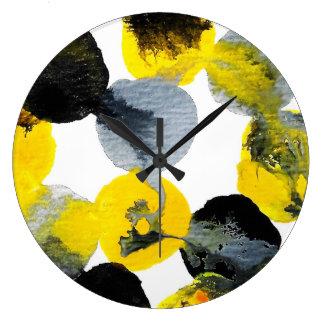 Reloj Redondo Grande Intertactions amarillo, gris y negro