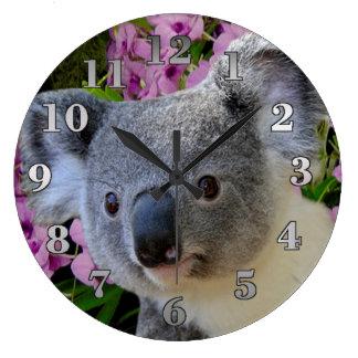 Reloj Redondo Grande Koala y orquídeas
