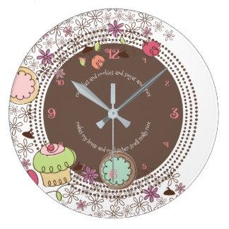 Reloj Redondo Grande La magdalena de las galletas del Doodle florece el