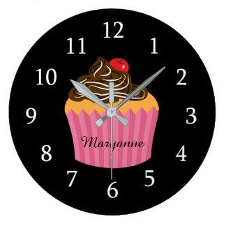 Reloj Redondo Grande Magdalena rosada linda en cocina personalizada