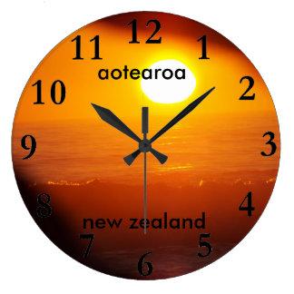 Reloj Redondo Grande subida del sol de la costa este de Nueva Zelanda
