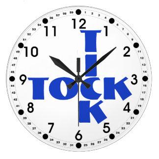 Reloj Redondo Grande Texto azul de Tock de la señal del crucigrama