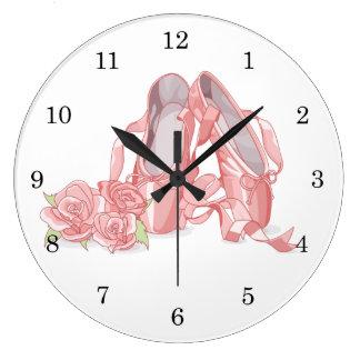 Reloj Redondo Grande Zapatos y rosas del pointe de la bailarina
