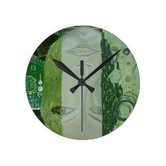Reloj Redondo Mediano 7 dimensiones en un lugar