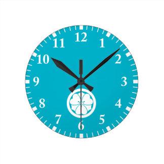 Reloj Redondo Mediano Alazán de madera con las espadas en círculo