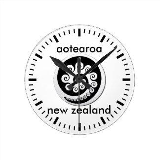 Reloj Redondo Mediano aotearoa Nueva Zelanda 12