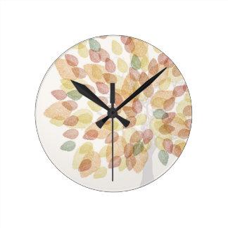 Reloj Redondo Mediano Árbol de abedul en colores de la caída