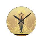 Reloj Redondo Mediano Art Nouveau tulipán floral rosa y dorado elegante