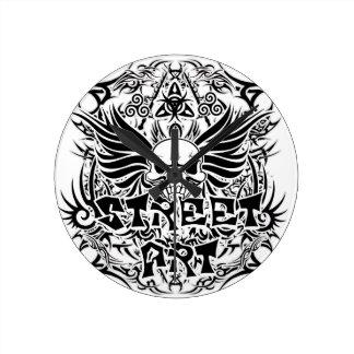 Reloj Redondo Mediano Arte tribal de la calle del tatuaje