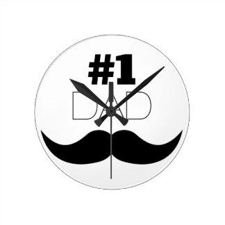 Reloj Redondo Mediano Bigote del negro del papá #1 - número uno
