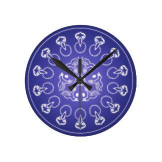 Reloj Redondo Mediano Bola de cristal del cuervo del cuervo de la
