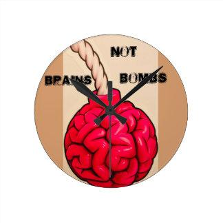Reloj Redondo Mediano Bombas de los cerebros no